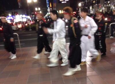JR博多駅に中学校を卒業したばかりの特攻服を着た150人が集まる → 解散させようとした駅員(34)を殴り15歳の少女を逮捕 - 修羅の国