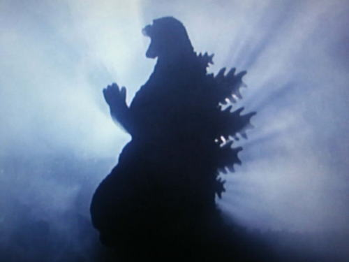 2016年夏公開予定の映画『ゴジラ』総監督・監督に庵野秀明(54)・樋口真嗣(49)を起用 … 脚本は庵野が執筆、ゴジラ最終デザインは未公開、ハリウッド版の108mを超える過去最大に