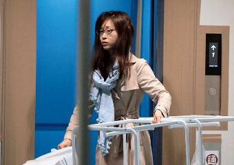 フジテレビの朝の顔に抜擢された牧野結美アナ(25) スッピン姿+髪はボサボサでゴミ出しする姿をフライデーに撮られる(画像)