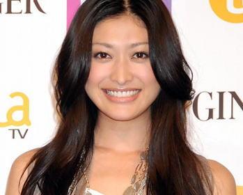「細過ぎ」「痩せた?」 モデルで女優の山田優(30)がInstagramに投稿した全身写真が話題に (画像)
