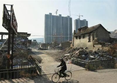 中国の国有企業・保定天威集団、業績悪化で社債の利払いができず債務不履行に、中国国有企業のデフォルトは初 … 中国国内の社債がデフォルトに陥るのは同社で3例目