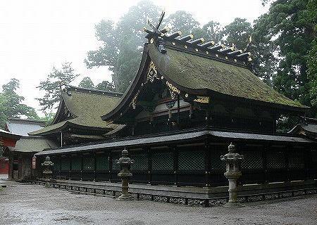 寺社への油テロ事件、米国在住のキリスト教系宗教団体創立者の日本人医師(52)に逮捕状 … 信者の集会で「寺社を油で清め、日本人の心を古い慣習から解放する」などと語る