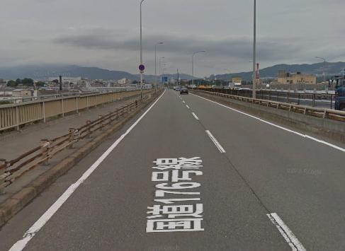 夜、自転車で国道176号・猪名川大橋の車道を走っていた50代くらいの男性、車にひき逃げされ意識不明の重体に - 大阪・池田