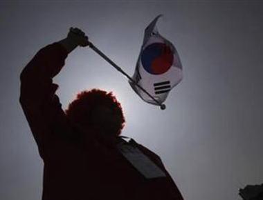 """韓国で""""慰安婦を否定する日本の政治家""""を入国禁止にできる法案、与党セヌリ党議員の議員立法によって推進 … 「入国禁止対象として日本の安倍首相も含まれる場合がある」と言及"""