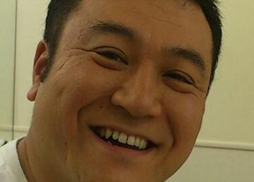 アンタッチャブル・山崎弘也(39)、9年間の交際の末、OLの一般女性(32)と結婚 … 直筆コメントで「あざーす!!」と喜びをはじけさせる