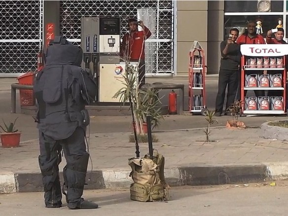 【閲覧注意】エジプトで爆弾解体試みた結果wwwwwwwwwwwwwww(画像あり)