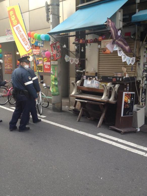 【画像あり】火炎瓶1本100円 大阪のアメ村で販売され警察沙汰にwwwwwwwwwwwwww