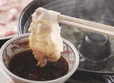 イタリア人「豆腐ウマーイ、しゃぶしゃぶ天ぷらウンマーイ」 日本館に長蛇の列 … イタリア・ミラノで開催中の万博で、日本に焦点を当てたイベント「ジャパンデー」が開かれる