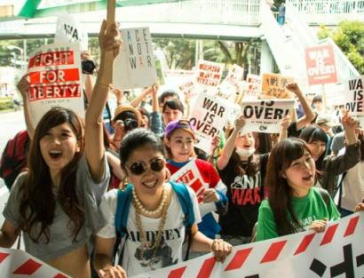 SEALDsの中の人「前から思ってたけど、容姿を強調した事は無いのに、見た目やデザインがどうのこうで若者が集まってるとか、舐められてるんだと思う」 … そして内ゲバへ