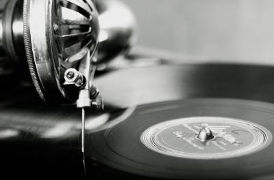 今年米国でのレコード売り上げ、無料で聞ける音楽ストリーミングサービスを上回る