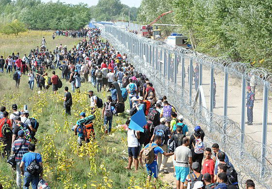 中東などからの難民が押し寄せるEU諸国、露骨な難民の押し付け合いが始まる … 2万人の難民が流入したクロアチアは強制的にハンガリーに→ ハンガリーは批難しつつオーストリア国境に