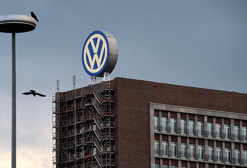 VWの不正事件、「ドイツ人はこの危機を抜け出すため、ドイツの成功を妬んで陥れようとする国(←米国)や、不幸を利用する姑息な国(←日本)といった敵を外に見出し、一致団結するだろう」