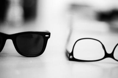 【疑問】なぜメガネ店では補聴器を一緒に売っているのか?意外な関係性