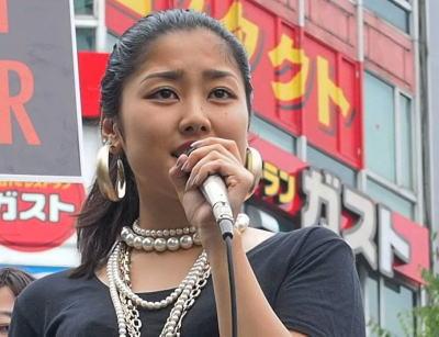 SEALDs福田和香子「なぜ私が社会の最底辺彷徨ってるクズから罵声浴びなきゃいけないの」→ メディア「SEALDs女性が批判者を『クズ』」→ 「私のクズの定義は、他者に敬意を払わない人の事」