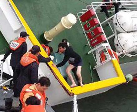 セウォル号沈没事故で殺人の罪などに問われている船長イ・ジュンソク被告(70)に無期懲役の判決が確定