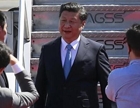 習近平「中国は外資の市場参入規制を大幅に緩和する。外部の世界に中国のドアは永遠に開かれ続ける」と表明 … 「約束にも変更はない、開放的で透明性があり公正な市場環境を育成する」