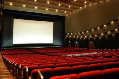 【驚愕】映画館で衝撃的な事があったんだがマジでおかしくね?