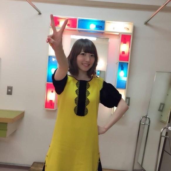 【悲報】花澤香菜さん(27)、今日も変な服を着る