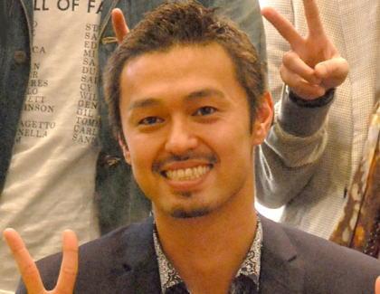 【訃報】 フジ『テラスハウス』に出演していたアーティストの今井洋介さん、心筋梗塞で急逝、31歳 … 今月20日まで自身のブログを更新、翌日のラジオの公開収録を告知。突然の悲報