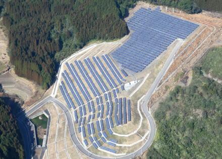 """京都・三重県境の森林100haを伐採し、エコロジーで環境に優しい""""大規模太陽光パネル発電所""""を建設予定 … 広さは甲子園球場26個分に相当"""