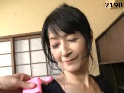 【五十路】エッチないたずらを日常茶飯事に受ける還暦前のおっかさん-熟女