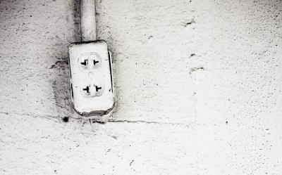 オーディオマニアはなぜ電源ケーブルに拘るのだろう? 永遠にわかり合える気がしないのだがwwww