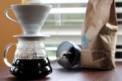 コーヒーをハンドドリップしている奴はピュアオーディオ級の馬鹿。センサーを積んだコーヒーメーカー使えよ