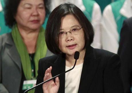 台湾・新政権、馬英九前政権の「沖ノ鳥島は岩」の主張を撤回