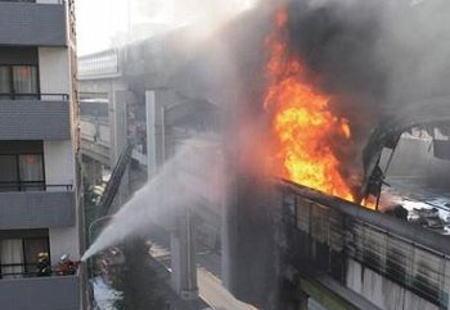 運転手らに32億円支払い命令 首都高で横転炎上 東京地裁