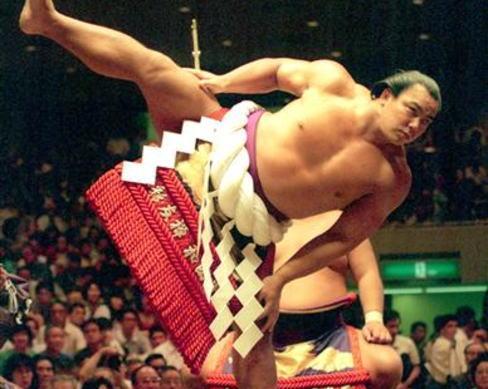 元横綱・千代の富士の九重親方が死去