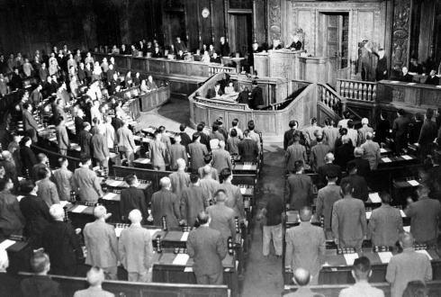 民進・岡田克也代表「米国が書いた憲法とは、不適切な発言だ」 バイデン米副大統領を批判