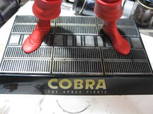 コブラ台座1