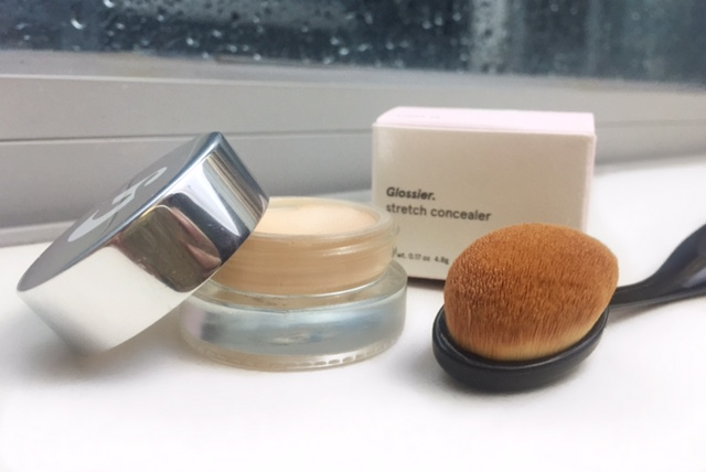 glossier stretch concealer and oval brush 2