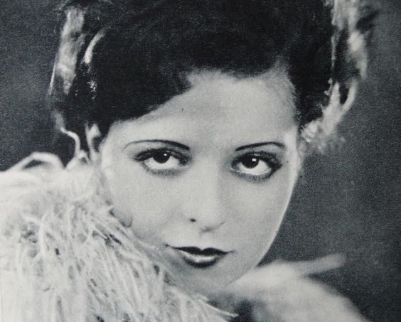 clara bow - 1920s eyebrows