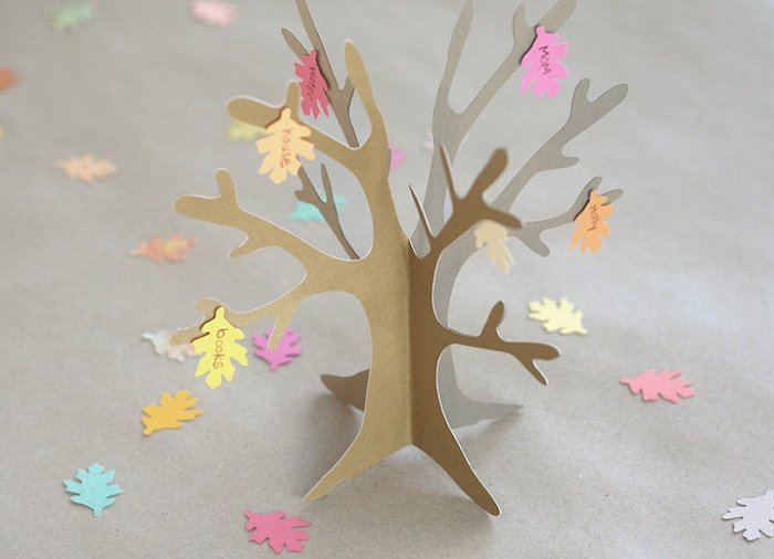 kidstable tree main banner fiskars1 700x506 Thanksgiving Crafty Roundup