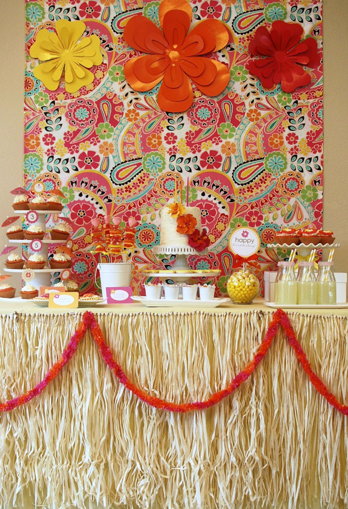 aloha summer dessert table Amy Atlas Moment:  Aloha Summer