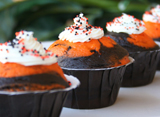 Halloweekend Countdown: Orange & Black Cupcakes