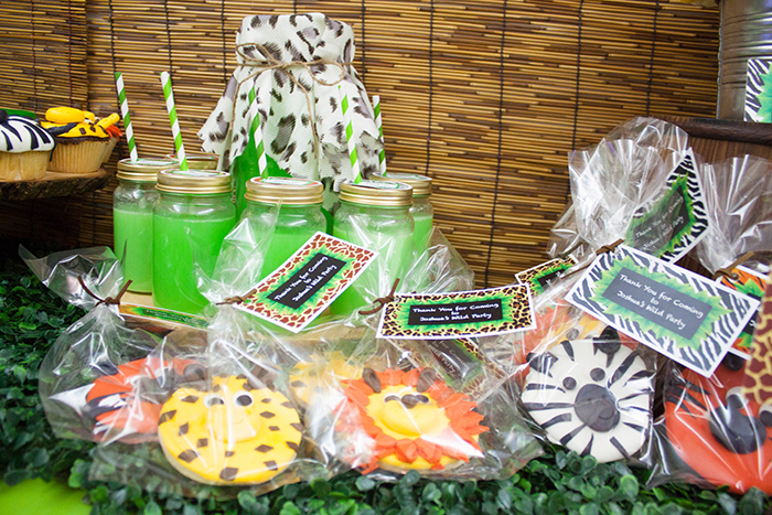 Jungle Themed Dessert Table Thank you cookies