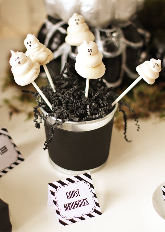 ghost meringues Halloweekend Countdown: Eat Drink & Be Spooky