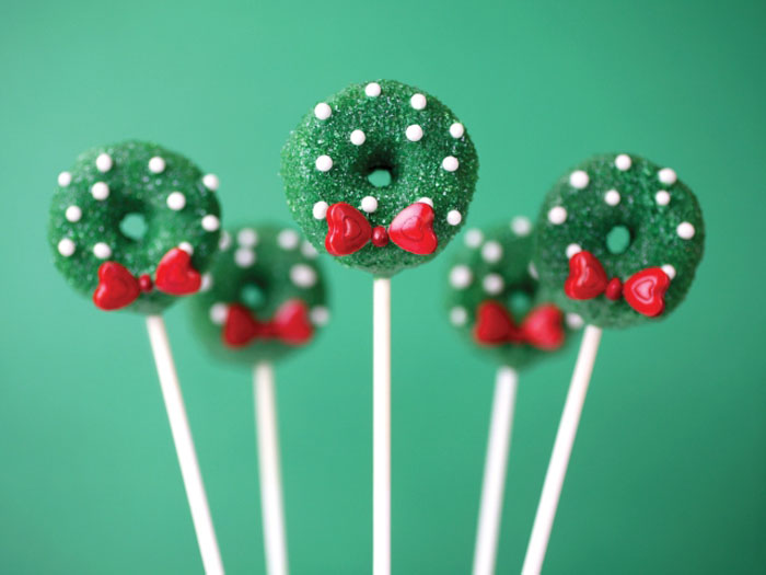 cp 1 edit1 Great Finds: Cake Pops Holidays + Giveaway