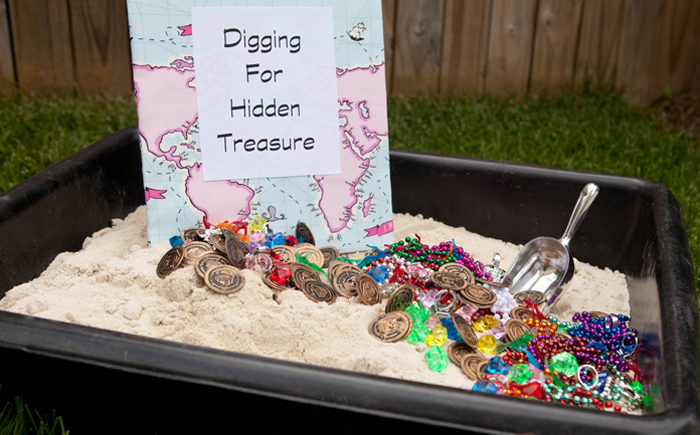 Digging for Treasure Mermaids and Pirates Guest Dessert Feature