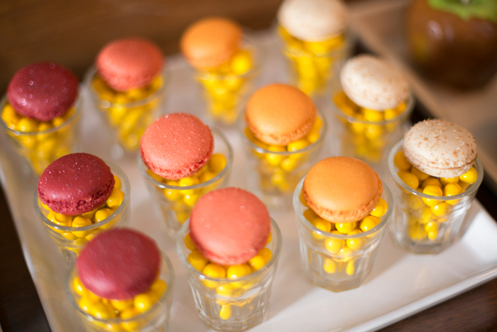 Macarons Elegant Sunflower Guest Dessert Feature