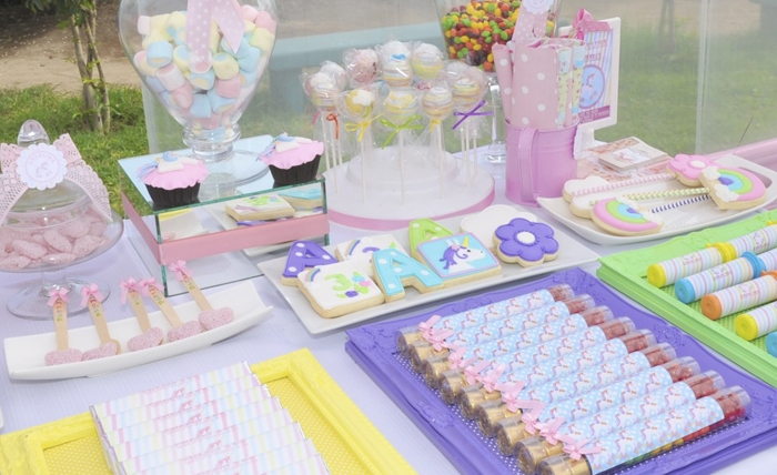 Dessert Table Unicorns & Rainbows Guest Dessert Feature