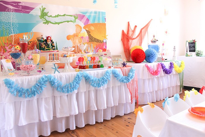 tropical-dessert-table