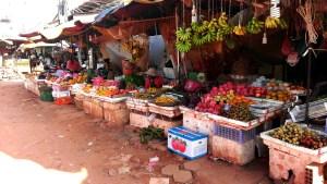 Phsa Leu  プサールー市場 現地語で市場「Phsa」上「Leu」の風景