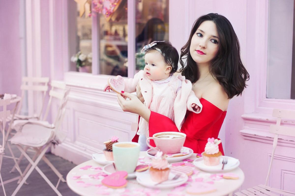 london-mummy-model-baby-girl-coffee
