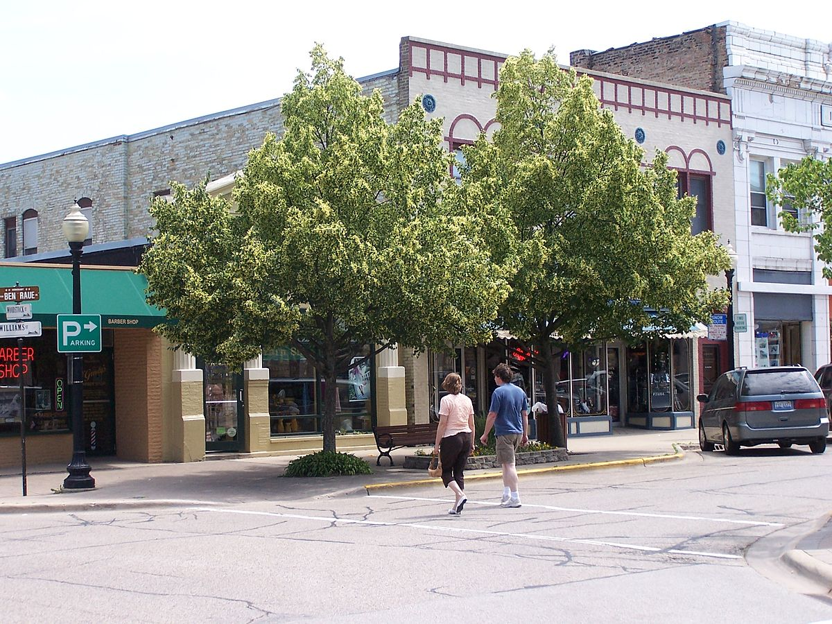 Raue Shop America S Best Downtowns Crystal Lake Illinois Apartment
