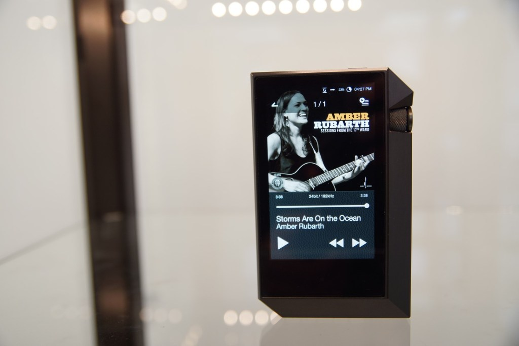 astellkern_ak240_audiogarden_1600x1200-6