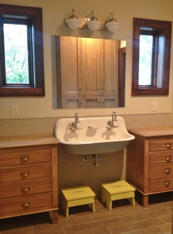 Bathroom Light Fixture Update Vintage Vanity Lights Add Retro Spin To Kids' Bath Remodel | Blog | Barnlightelectric.com