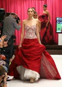 Intercosmo Wedding Dress with Overskirt by Jordi Dalmau / Intercosmo Vestido de Novia con Sobrefalda de Jordi Dalmau